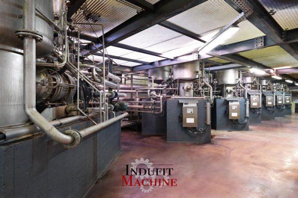 Démantèlement de machines dans l'industrie